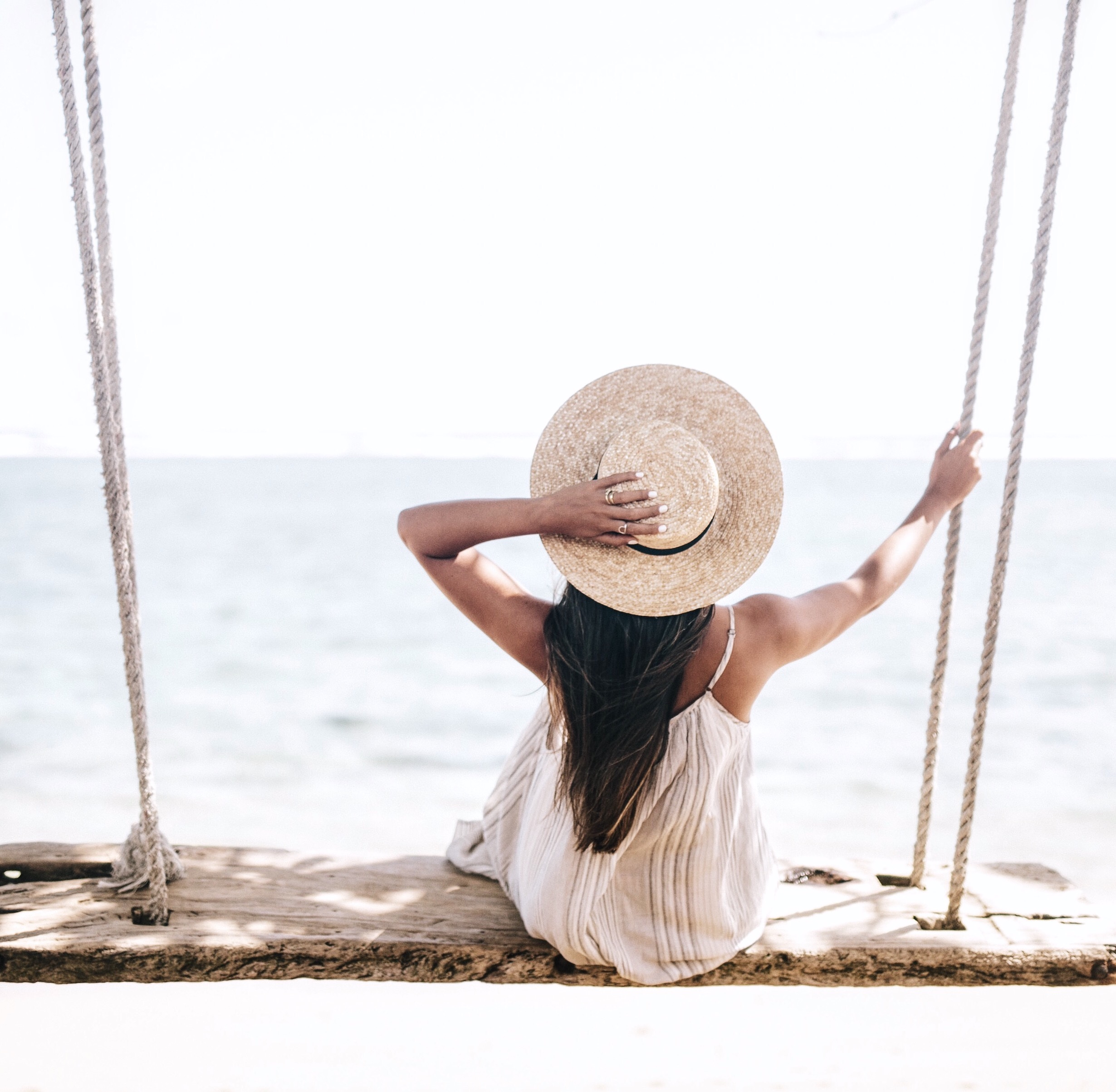 Straw Boater Hat | San Diego Hat Company | $500 Gift Card Giveaway | Travel Blogger | Travel Inspiration | Beach Swing on Oahu | via elanaloo.com