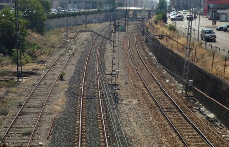 Instantánea de las vías cercanas a la estación de trenes de Ponferrada