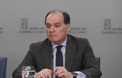 El consejero de Economía y Empleo de la Junta, Tomás Villanueva