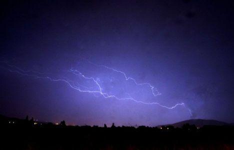 Los rayos podrían caer en cualquier punto del Bierzo (César Sánchez/Ical)