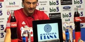El técnico de la Deportiva, Manolo Díaz (Imagen: SD Ponferradina)