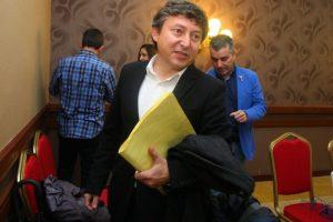 Samuel Folgueral, en la foto, Santiago Macías y Fernando Álvarez tendrían que devolver sus sueldos, según un informe municipal (C. Sánchez)