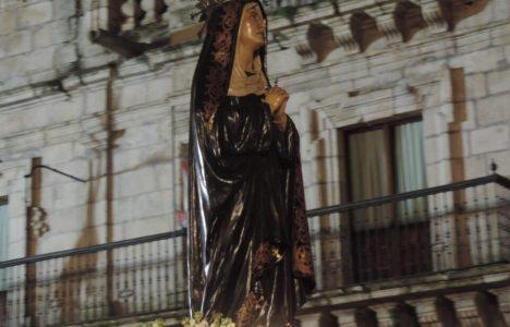 Imagen de la Virgen en la Plaza del Ayuntamiento