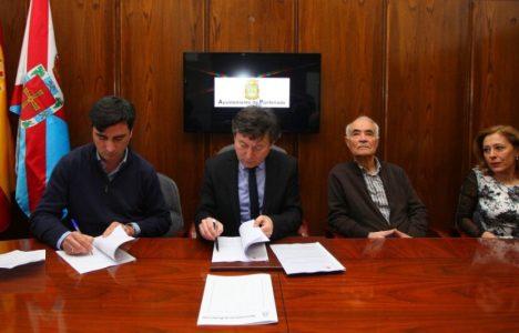 Firma del covenio entre el alcalde y el responsable de la asociación (César Sánchez / Ical)