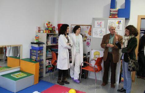 La popular en su visita a las instalaciones de la ONG