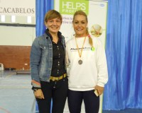 La directora ejecutiva de Pharmadus, Beatriz Escudero con Lidia Valentín