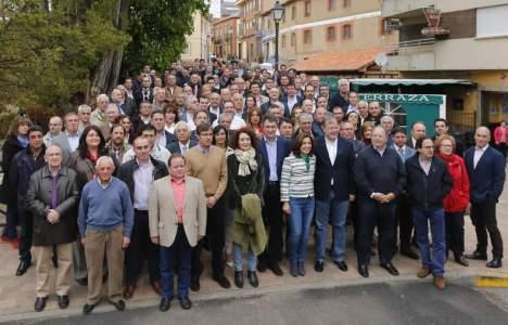 El cabeza de lista a la Junta por León, Antonio Silván con el resto de alcaldables. ICAL