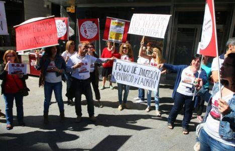 Los trabajadores de Los Telares se concentraron en Lazúrtegui (C. Sánchez / Ical)