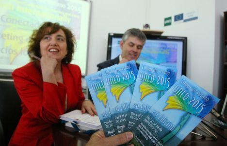 El director de Intecca, perteneciente a la Uned, Jorge Vega, junto a la profesora de la Universidad de León, PilarMarqués