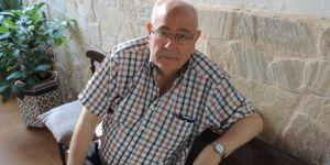 El padre Juan José Gallego, en su casa familiar de Castrillo de los Polvazares