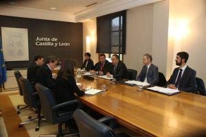 Un momento de la reunión entre representantes del Consejo y de la Junta