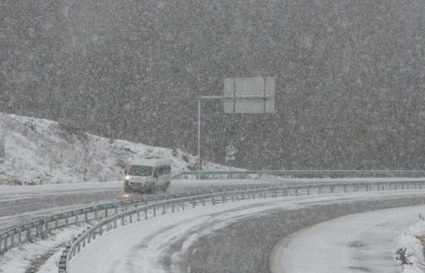 Una carretera afectada por la Nieve. (Foto: Ical)
