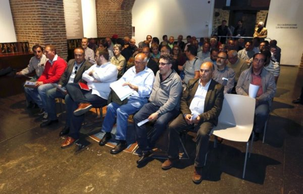 En la reunión estuvieron alcaldes y portavoces socialistas de municipios del Bierzo (Carlos S. Campillo)