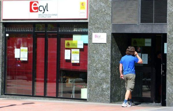 Oficina del Servicio Público de Empleo (ECYL) en Ponferrada. (Foto: César Sánchez)