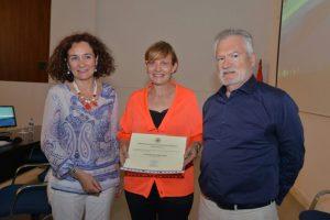 Entrega del premio a la empresaria emprendedora Beatriz Escudero de Pharmadus. / QUINITO