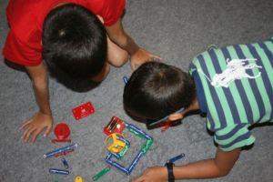 Juegos con LEGO-Robotix para niños de 6 a 8 años. / F.L.