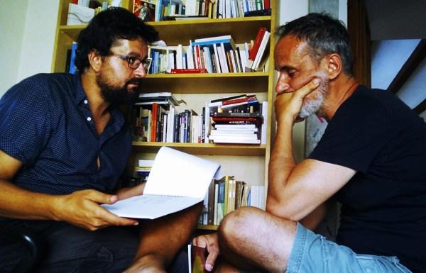 El director de la película 'Occidente', que se rodará en el Bierzo el próximo diciembre, Jorge Acebo (I), junto a su protagonista, el actor Francesc Garrido (D). / ICAL
