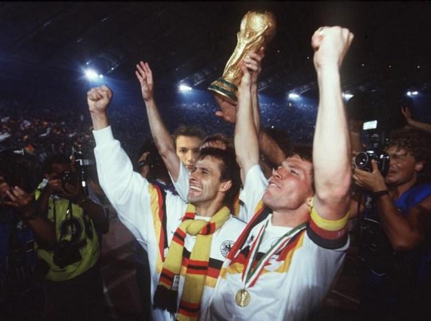 Den Sommer 1990 verbringe ich natürlich in Rom - schließlich holen wir uns dort den dritten Stern!