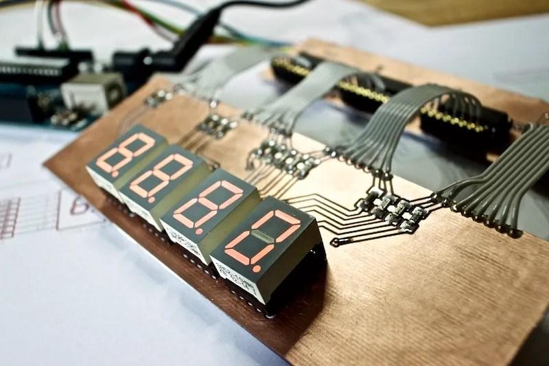 Arduino Daisy Chain Shift Register with 74HC595