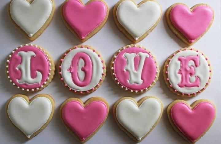 Gorgeous Valentine's Day Wedding Cookies