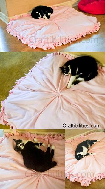 DIY LARGE Dog Bed Idea