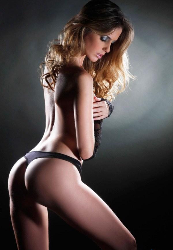 Miss Uruguay desnuda