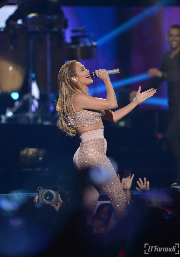 MIAMI, FL - APRIL 30: Jennifer Lopez performs musical tribute to Selena while performing with Los Dinos onstage at the 2015 Billboard Latin Music Awards presented bu State Farm on Telemundo at Bank United Center on April 30, 2015 in Miami, Florida.   Rodrigo Varela/Getty Images/AFP