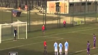 Amenazan de muerte a un jugador serbio por fallar un penalti (Vídeo)