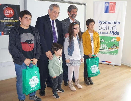 Seremi de Salud de Bio Bío premia trabajos anti tabaco