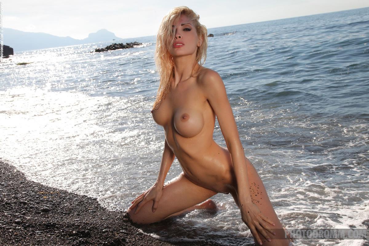 alexa photodromm nude