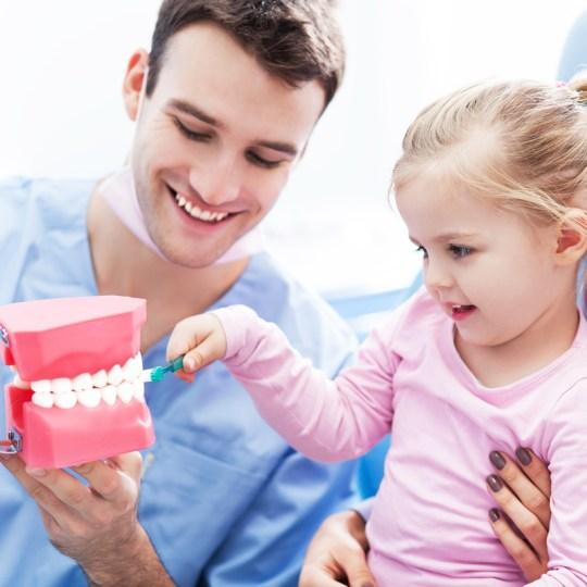http://i0.wp.com/www.elitedental.cl/home/wp-content/uploads/2016/05/odontopediatria02.jpg?resize=540%2C540