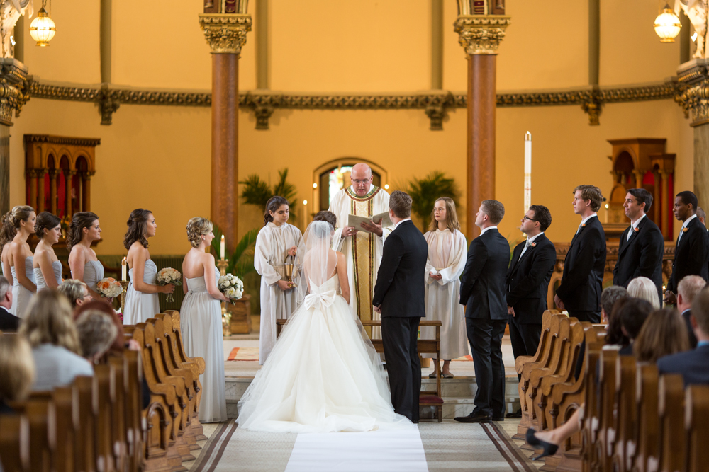 Fall In Chicago Wallpaper Traditional Chicago Catholic Church Wedding Ceremony
