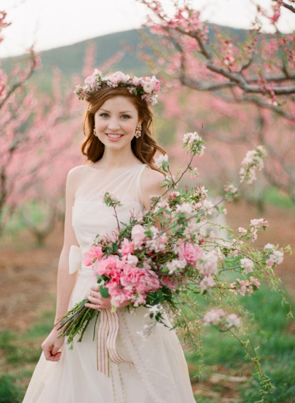 Cute Pink Wallpaper 1980 Bride With Cherry Blossom Bouquet Elizabeth Anne Designs
