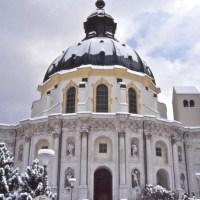 Oberammergau: 43. König-Ludwig-Lauf im Winter, großes Theater im Sommer