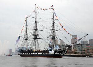 USS_Constitution_fires_a_17-gun_salute