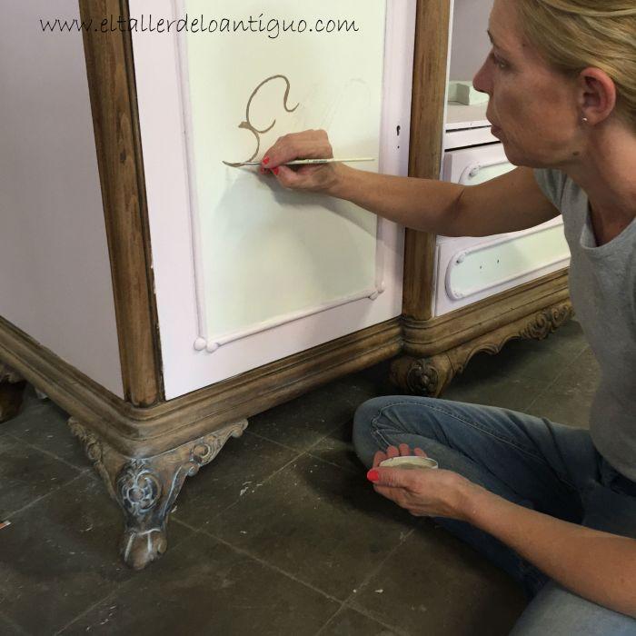 7-mueble-para-plato-mary-paint