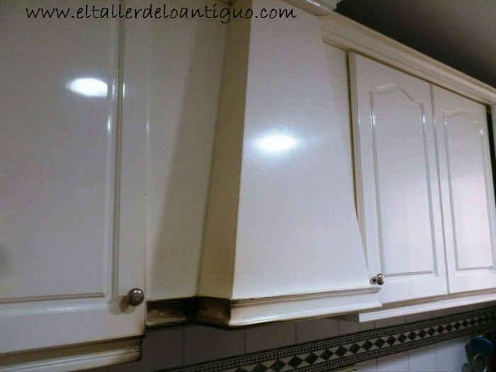 Como pintar armarios de cocina el taller de lo antiguo - Pintar armario de madera ...