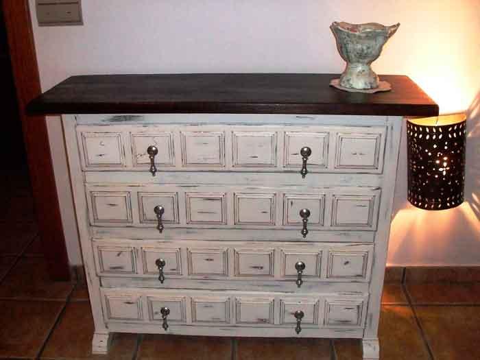 De mueble castellano a shabby chic el taller de lo antiguo - Muebles antiguos pintados de blanco ...