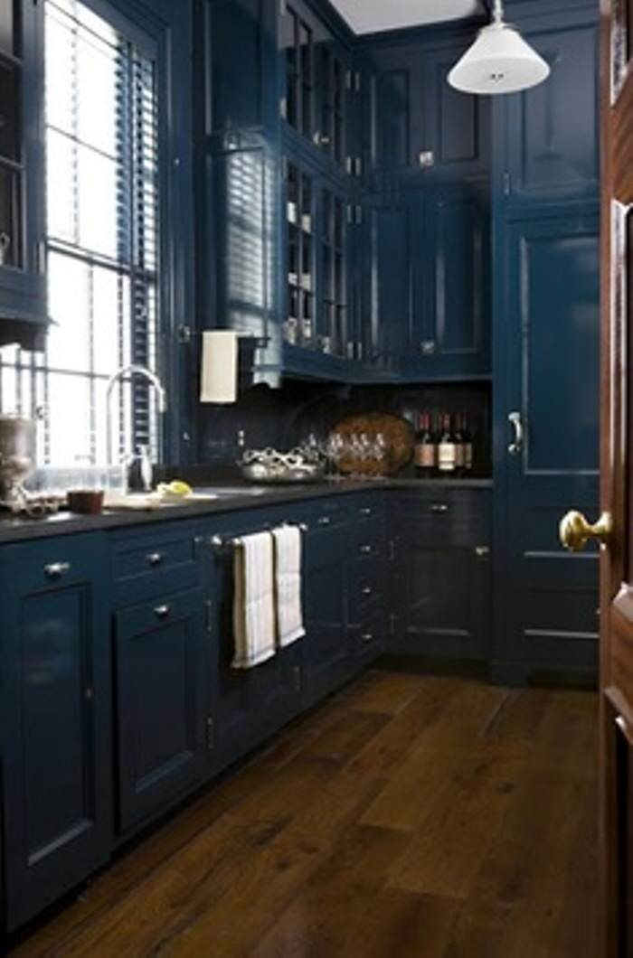 paint vivid blue kitchen