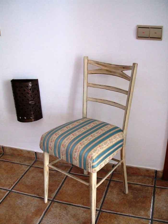 Restaurar una silla vieja a estilo vintage el taller de - Reparar muebles antiguos ...
