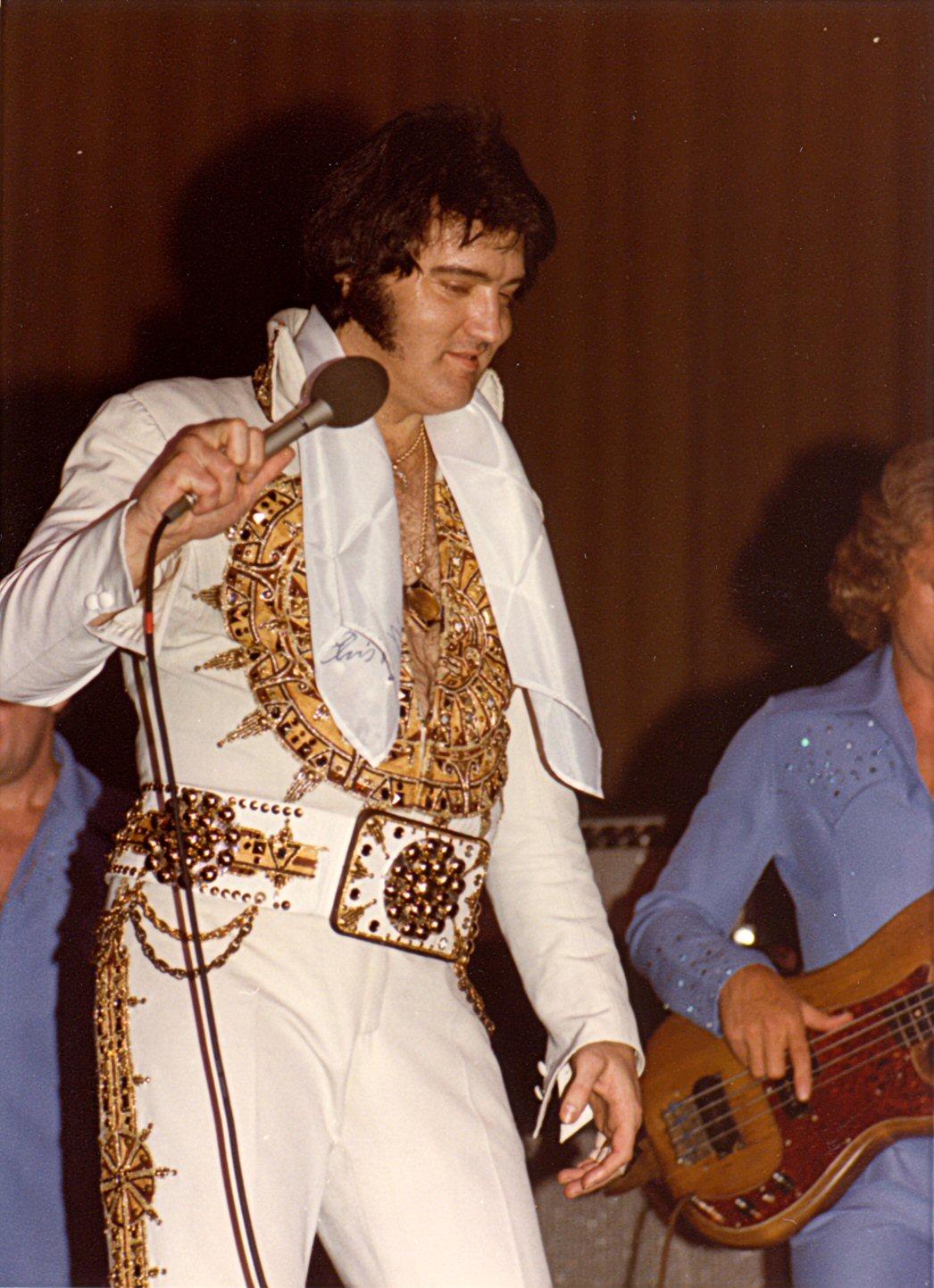 Sioux Falls Wallpaper Elvis Presley In Concert