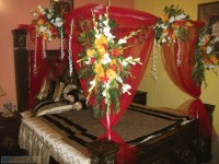 Bridal Room Decoration With Red Roses