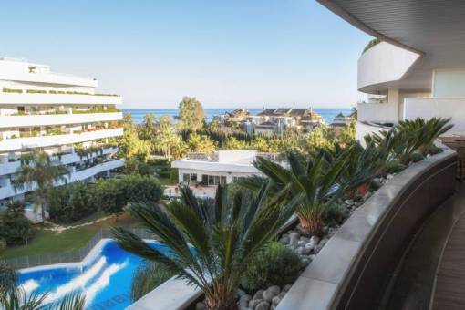 Large Apartment for Sale in Puerto Banus – 880,000 euros