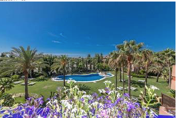 3 bedroom penthouse – 650,000 euros