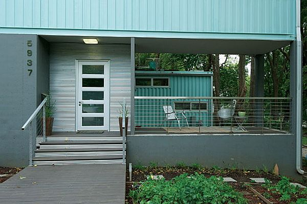 Five-Shipping-Containers-Into-a-Cozy-Modern-Home-1