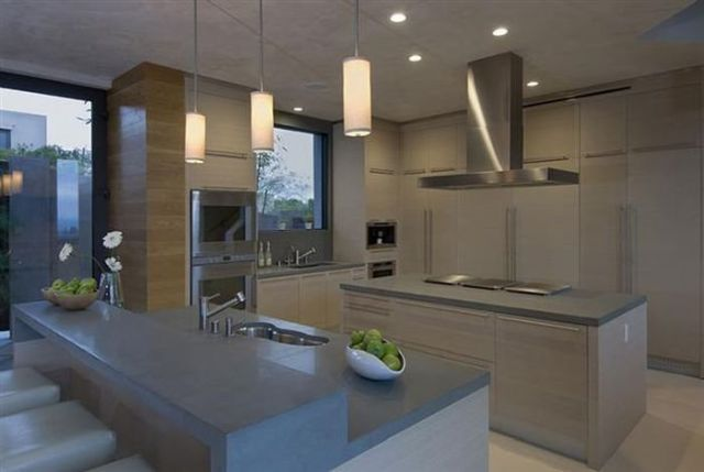 a_luxury_bachelor_pad_fit_for_a_king_640_16