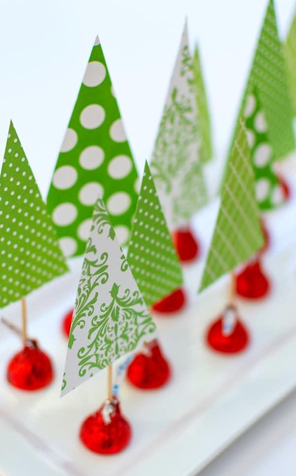 holiday-centerpiece-idea-hershey-kiss-mas-tree-forest-wine-corks-1-of-14-3
