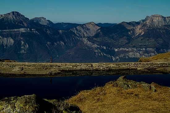 Lac-du-Crozet-Belledonne-randonneur
