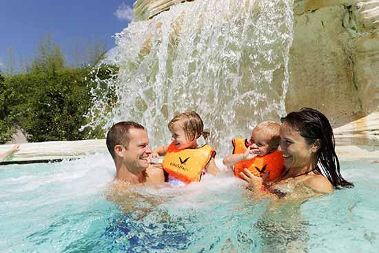 vacances-en-famille-piscine-center-parcs