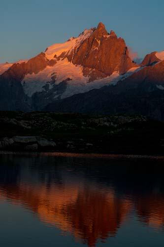 coucher-de-soleil-sur-meije-oisans-alpes